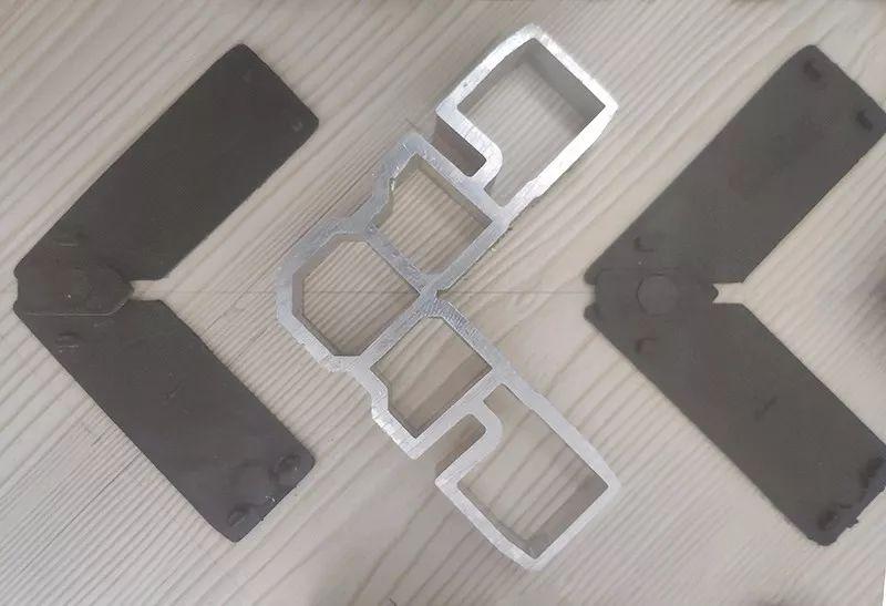 门窗的铝角码和垫片