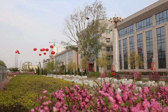 索菲亚华鹤门业有限公司位于黑龙江省齐齐哈尔