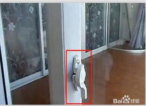 拆推拉扇第的锁和防风块
