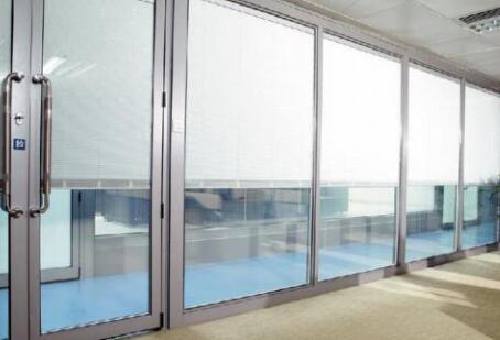 玻璃钢门窗和断桥铝门窗比较