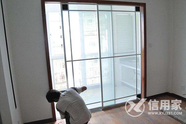 安装门窗工人多少钱一平米