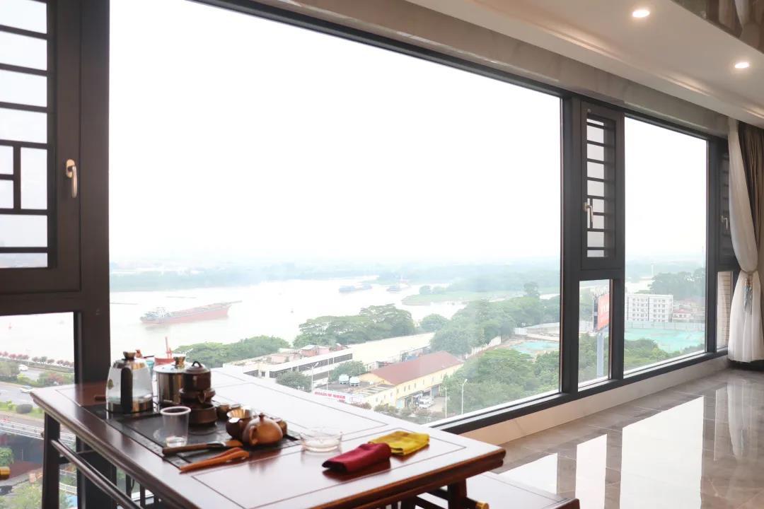 简纳斯产品案例:封阳台这样装,美观又实用