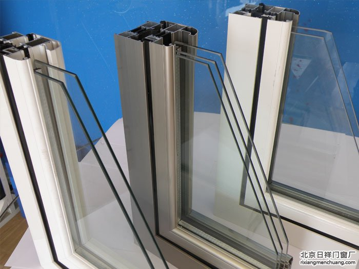 双层中空玻璃和三层中空玻璃的特点