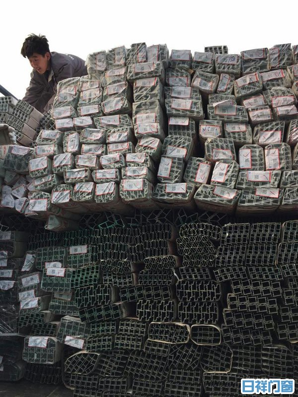 忠旺断桥铝型材新货到厂(2016年3月28日)